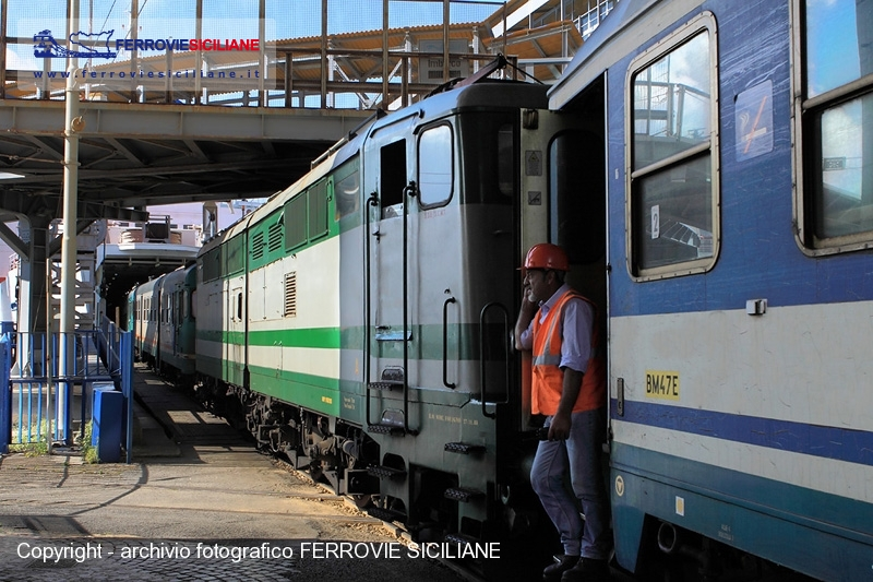 ferrovia dei Templi Sicilia locomotiva fs E646_196