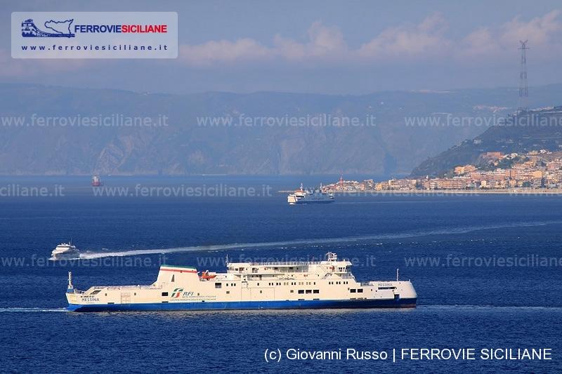 20140815 I collegamenti sullo Stretto di Messina ad agosto 2014 - 229_2903 20140805 Messina - RFI - Messina + Bluferries - Tindari Jet + Caronte & Tourist - Tremestieri - 800px
