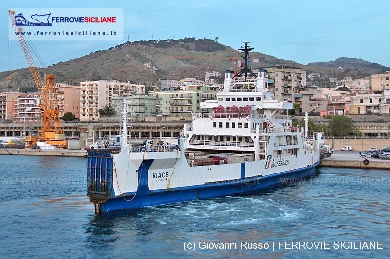 245_4563 20141016 Reggio Calabria - RFI - Bluferries - Riace - GiovanniRUSSO 800px