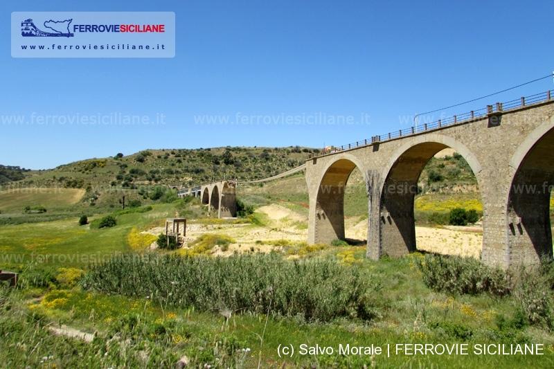 IMG_0482 Caltagirone Contrada Angeli ponte demolizione - SalvoMORALE - 800px