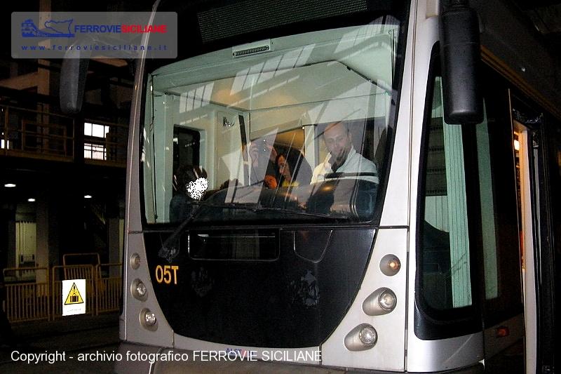Ferrovie Siciliane per il sociale: i ragazzi di Cristo Re alla rimessa del tram ATM