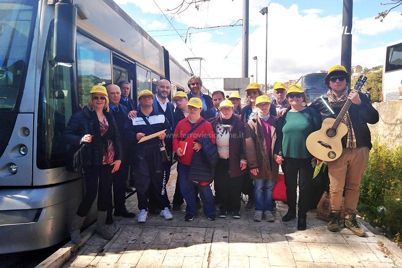 Mobilità senza barriere, viaggio sul tram di Messina con la Meter & Miles