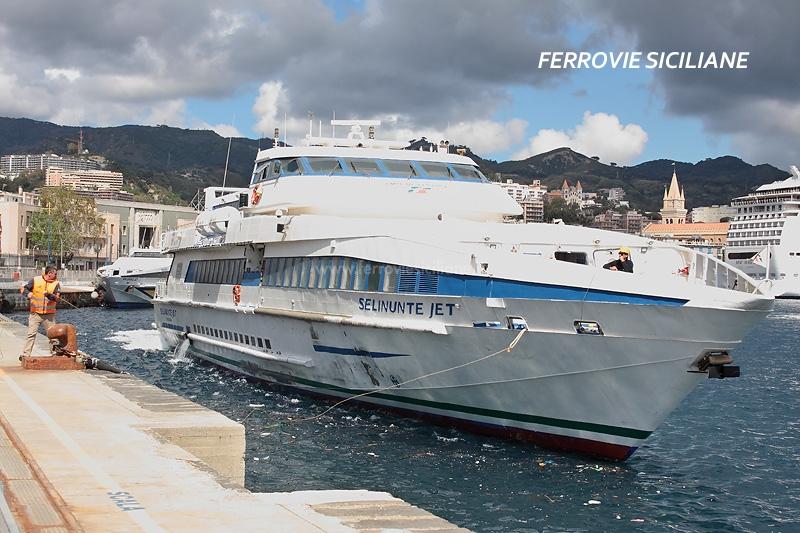 Stretto di Messina, avviati i collegamenti con i mezzi veloci di Blujet