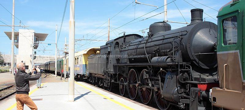 20190509-08318-Trasferita-temporaneamente-in-Sicilia-la-locomotiva-a-vapore-685-089