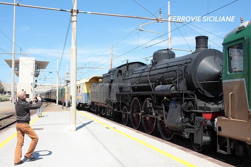 Trasferita (temporaneamente) in Sicilia la locomotiva a vapore 685 089