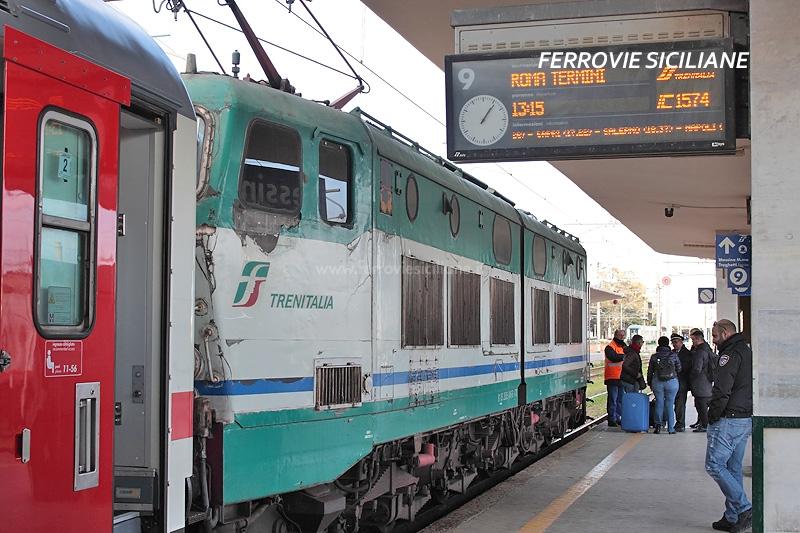 Treni Sicilia-Roma: la Regione Calabria ottiene la fermata a Gioia Tauro, penalizzata l'utenza siciliana