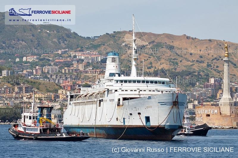 Addio nave traghetto Iginia
